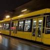 3 suttyó terrorizálta a nőket a villamoson, ám ekkor jött egy aprócska, vékony, magyar lány…