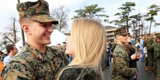A katonát 35 férfival csalta a felesége