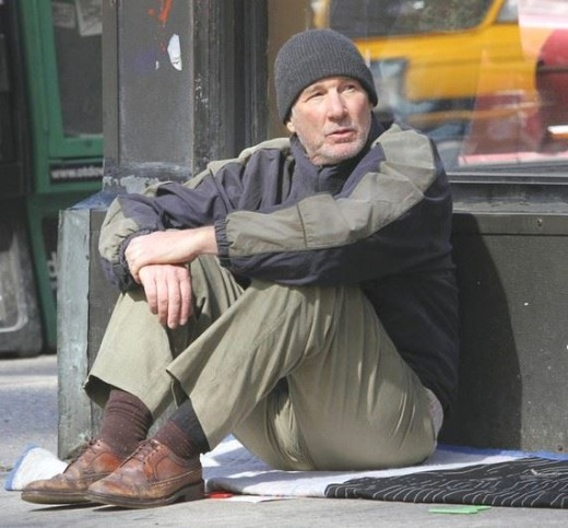 Richard Gere hajléktalannak öltözött